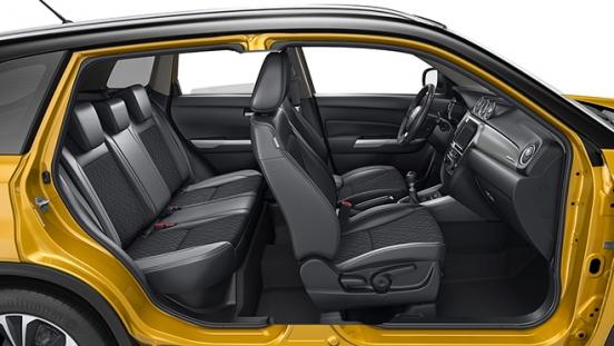 2020 Suzuki Vitara interior side