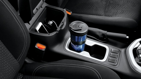 2021 Nissan Navara cup holder Philippines