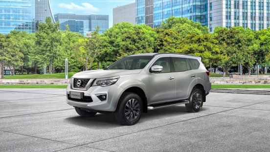2021 Nissan Terra exterior brilliant silver Philippines