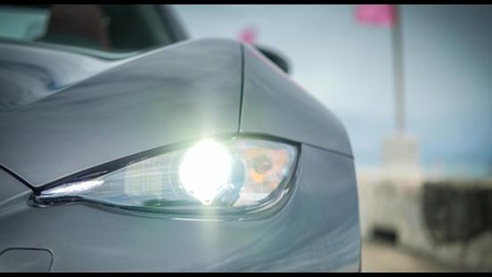 Mazda MX-5 Soft Cherry Top headlights