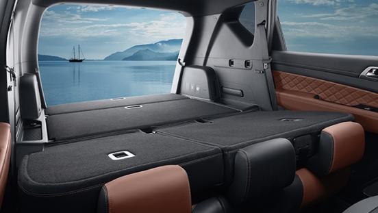 2019 SsangYong Rexton interior flat-folding seats