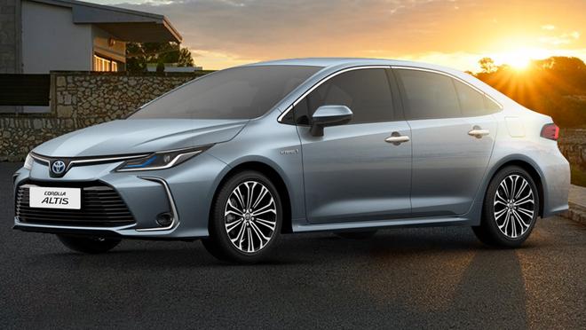 2019 Toyota Corolla Altis exterior side