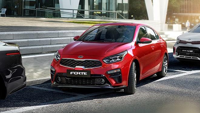 2021 Kia Forte exterior quarter shot red Philippines