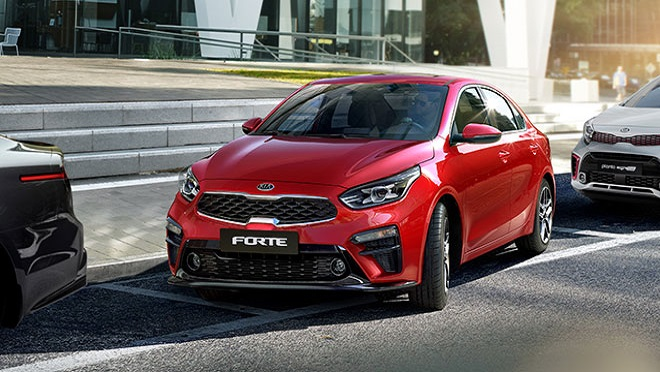 2021 Kia Forte exterior quarter side red Philippines