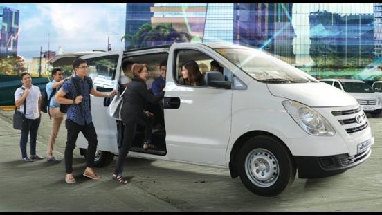 Hyundai Grand Starex GLS Swivel