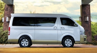 Toyota Hiace 2018 side