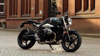 BMW R Nine T Pure side