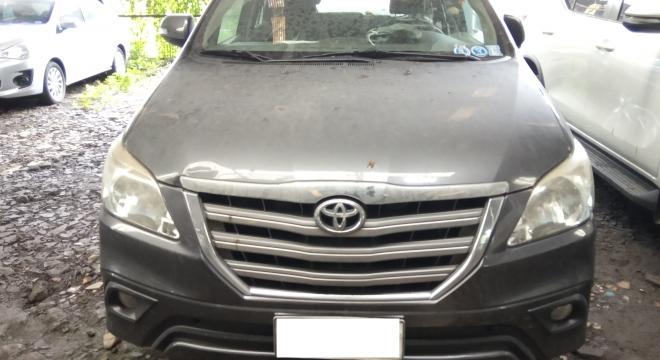 2014 Toyota Innova G 2.5 DSL AT