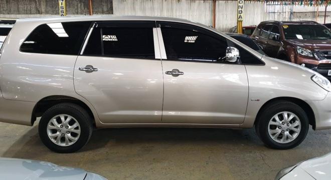 2011 Toyota Innova E Diesel MT