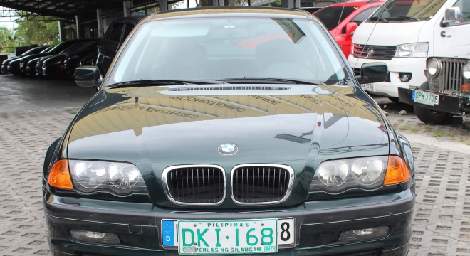 2002 BMW 3-Series Sedan 318i