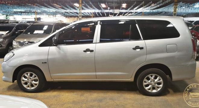 2011 Toyota Innova 2.5 E AT Diesel