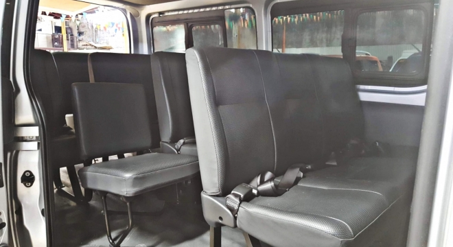 2015 Toyota Hiace Commuter 2.5 MT