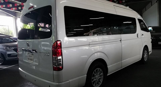 2017 Toyota Hiace Super Grandia 3.0 LXV AT