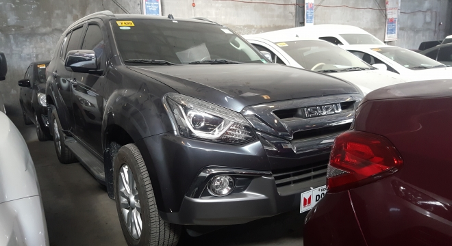 2018 isuzu mu-x 3.0 ls-a 4x2 at blue power repossessed for sale in taguig city, metro manila, ncr autodeal