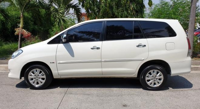 2012 Toyota Innova V Diesel AT