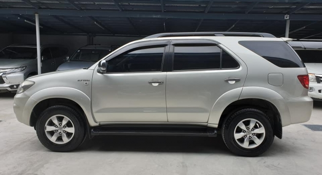2007 Toyota Fortuner 2.7G AT