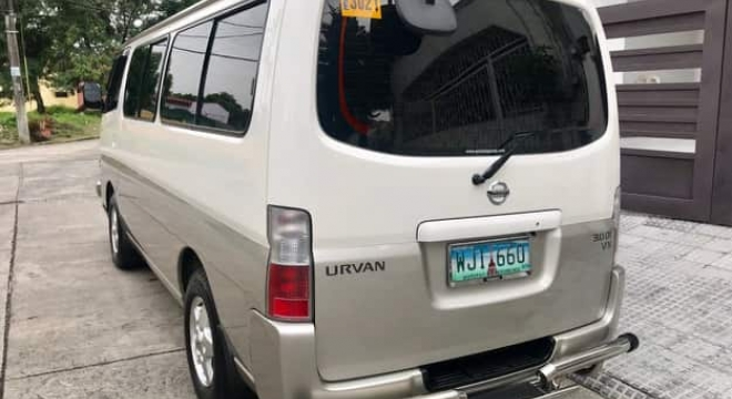 2013 Nissan Urvan VX Estate MT