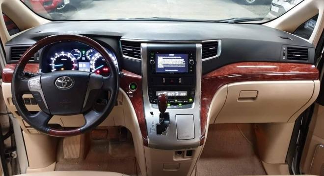 2011 Toyota Alphard 3.5 AT