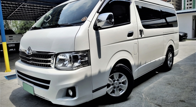 2013 Toyota Hiace Super Grandia 2.5L AT Diesel