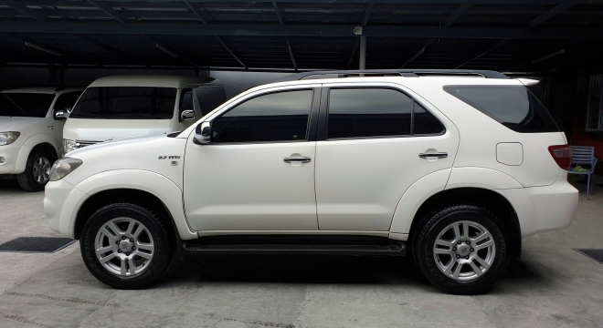 2010 Toyota Fortuner G Gas AT
