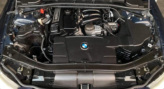 2011 BMW 3-Series Sedan 318i w/ iDrive