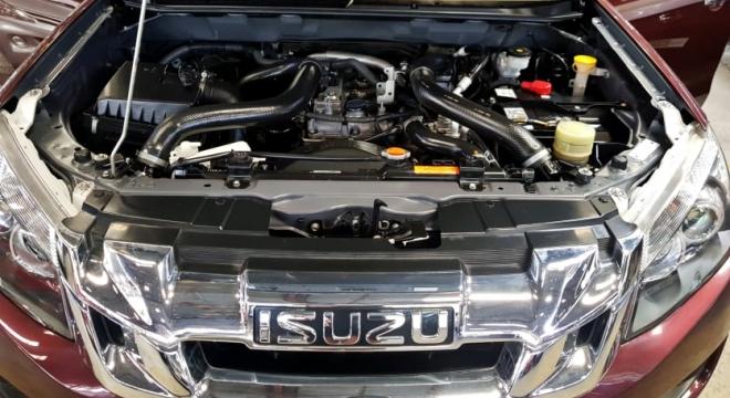 2015 Isuzu Dmax 3.0 L AT (4X4) Diesel