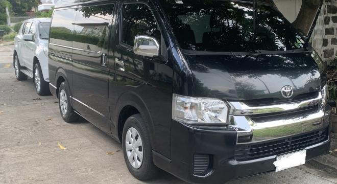 2015 Toyota Hiace Grandia GL MT Diesel