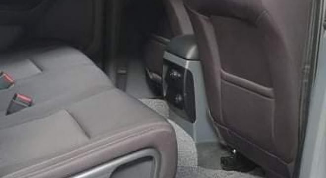 2017 Ford Everest Ambiente 4x2 MT Diesel
