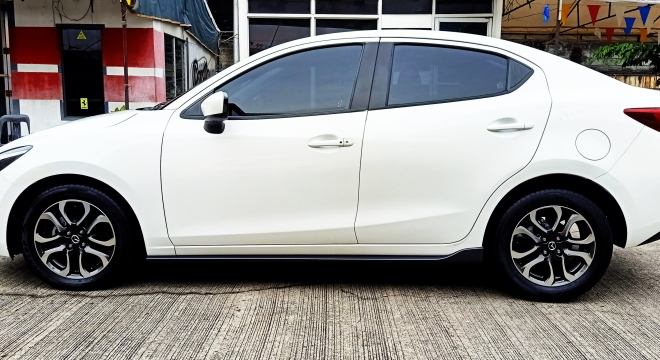 2016 Mazda 2 Sedan A/T