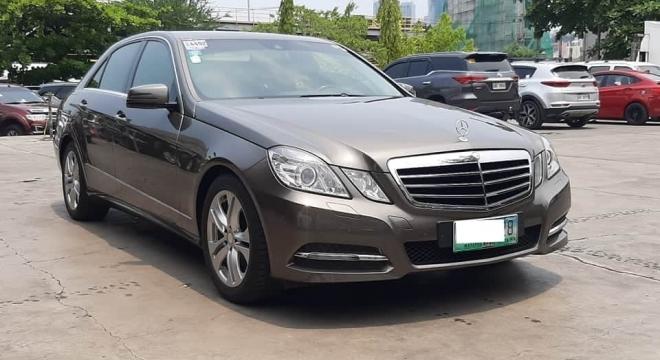 2011 Mercedes-Benz E300 Avantgarde AT Gasoline