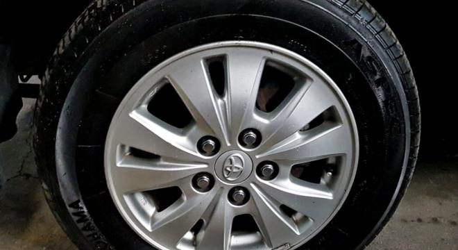 2014 Toyota Innova E 2.5 DSL AT