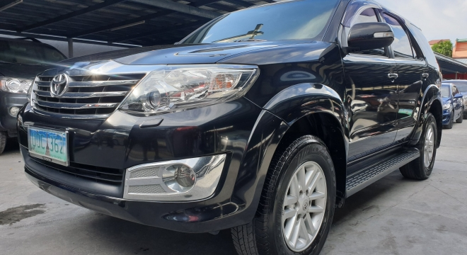 2013 Toyota Fortuner G AT Gas