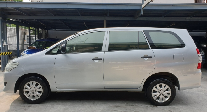 2014 Toyota Innova E 2.5 DSL AT