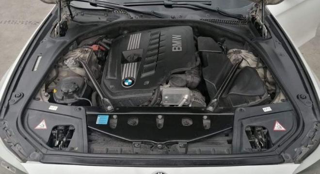 2011 BMW 5-Series Sedan 525i