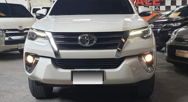 2017 Toyota Fortuner V (4X2) AT Diesel