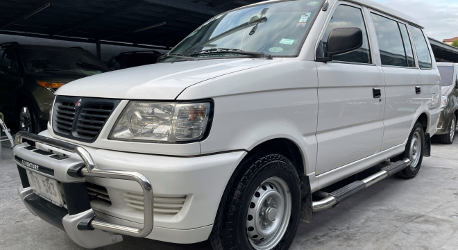 2011 Mitsubishi Adventure GX
