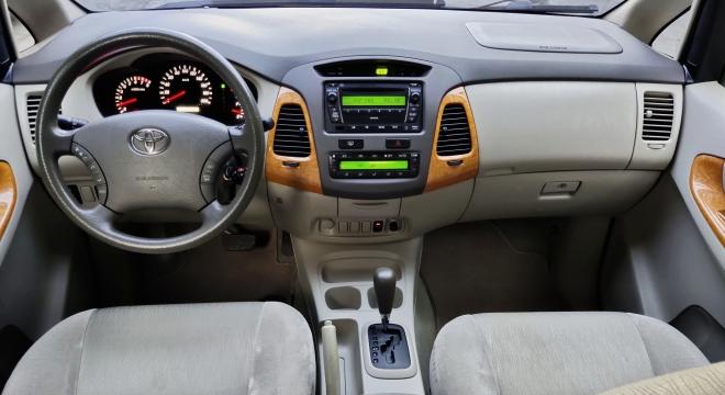 2010 Toyota Innova G Gas AT