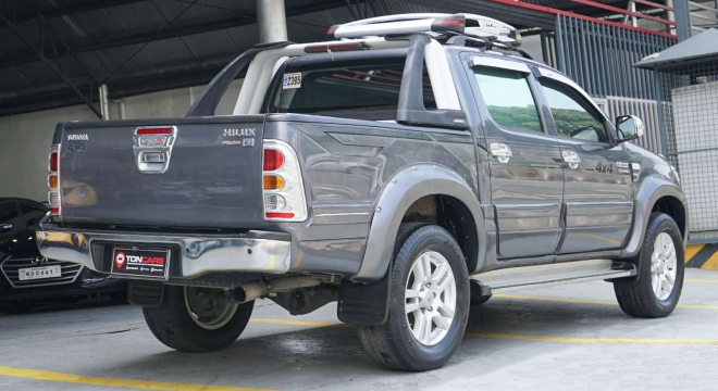 2010 Toyota Hilux G (4X4) AT