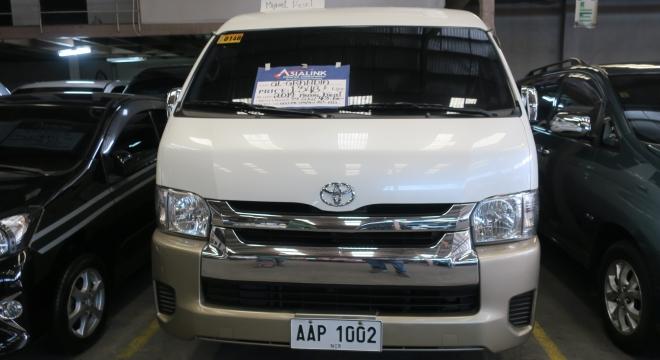 2014 Toyota Hiace GL Grandia 3.0 MT | 2-Tone