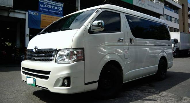 2012 Toyota Hiace Super Grandia AT