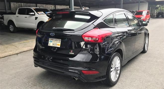 2016 Ford Focus Hatchback S