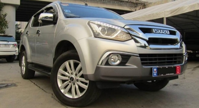 2018 isuzu mu-x 3.0 ls-a 4x2 at blue power used car for sale in makati city, metro manila, ncr autodeal