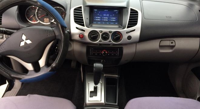 2014 Mitsubishi Strada GLX V AT (4X2)