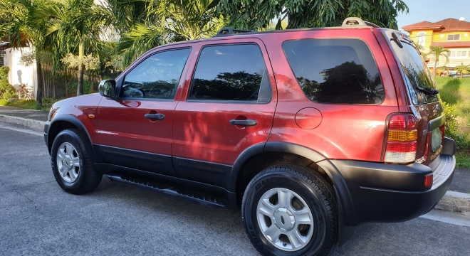 2004 Ford Escape XLS AT