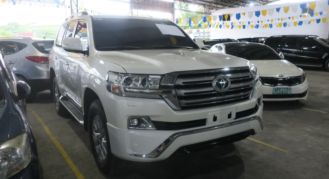 2017 Toyota Land Cruiser 200 4.8L AT Diesel