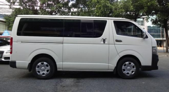 2011 Toyota Hiace Commuter MT