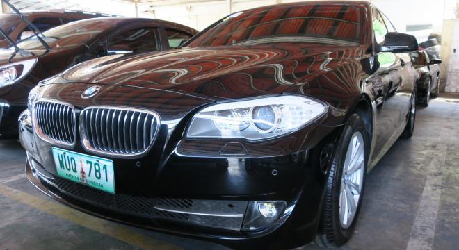 2013 BMW 5-Series Sedan 520d Package