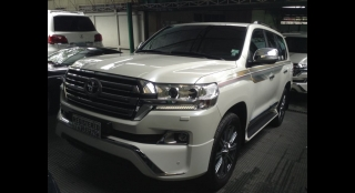 2017 Toyota Land Cruiser VX V8