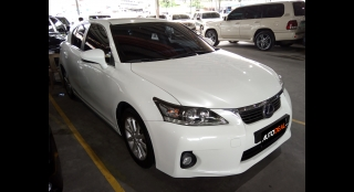 2011 Lexus CT200h Base