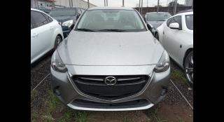 2015 Mazda 2 Sedan AT